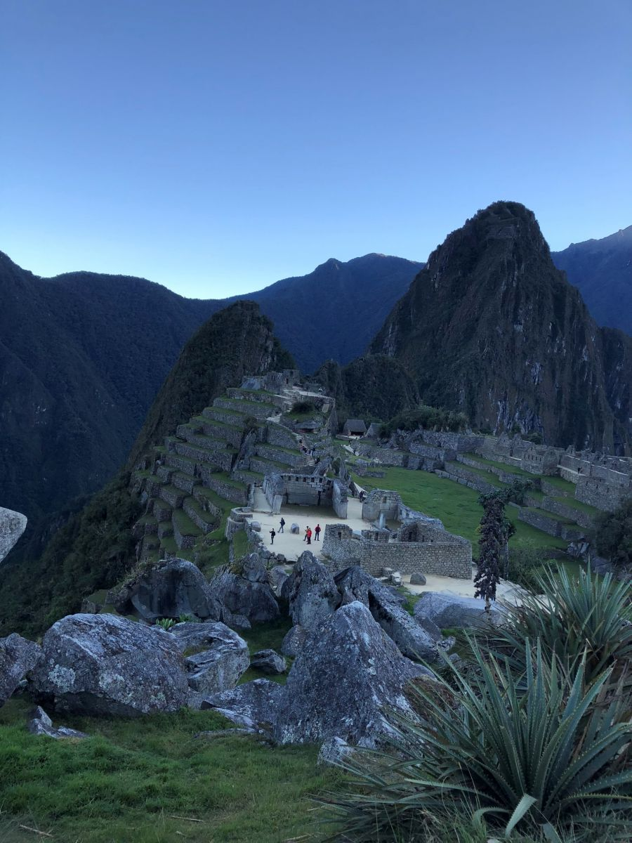 machupicchu at sunrise.jpg