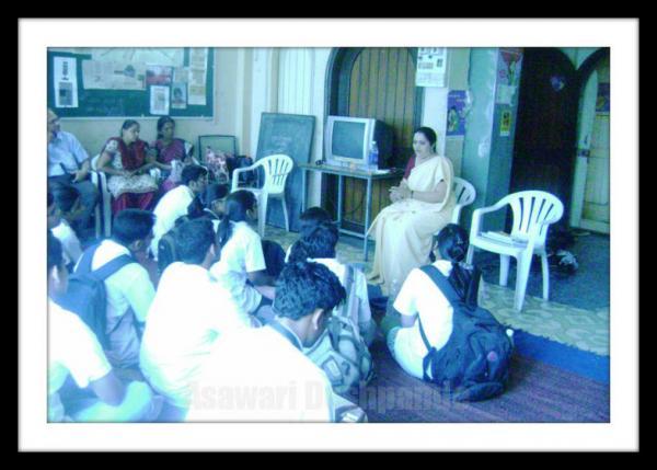 4 asawari Exposure Visit of MSW students.jpg