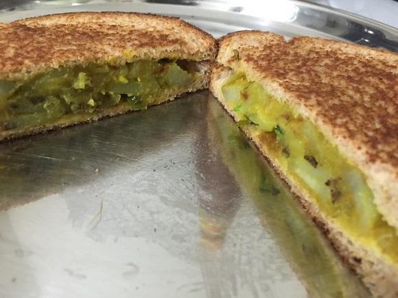 batatabhaajisandwiches8.JPG