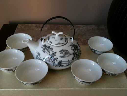 chinese tea set 001 small 2.jpg