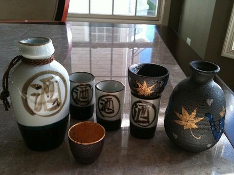 sake set close up 2 001.jpg