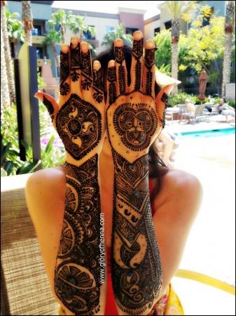 Mehendi hands.jpg