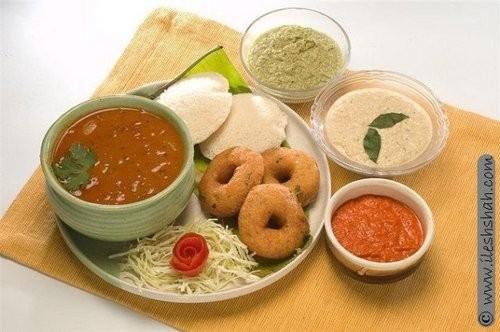 food-breakfast-idly-vada-samber.jpeg