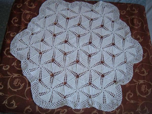 white crochet rumal.JPG