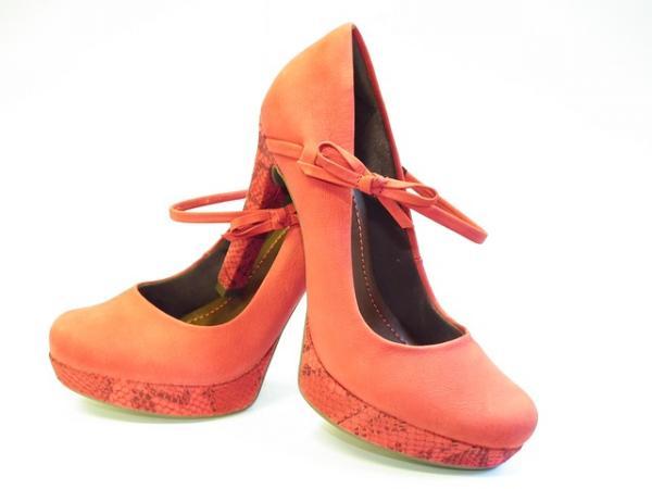2015_Gift_LadiesShoes.jpg