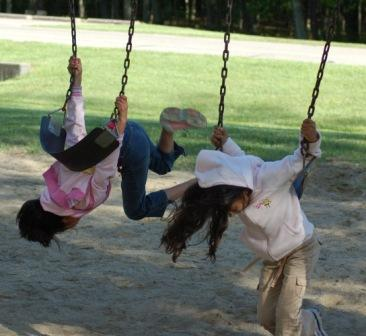 zabbu_girls_on_swing.jpg