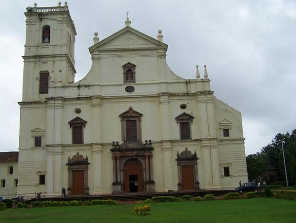 old goa church.jpg