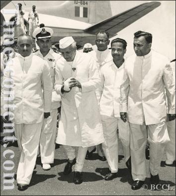 Pandit Jawaharlal Nehru-T Siva Sankar (1).jpg