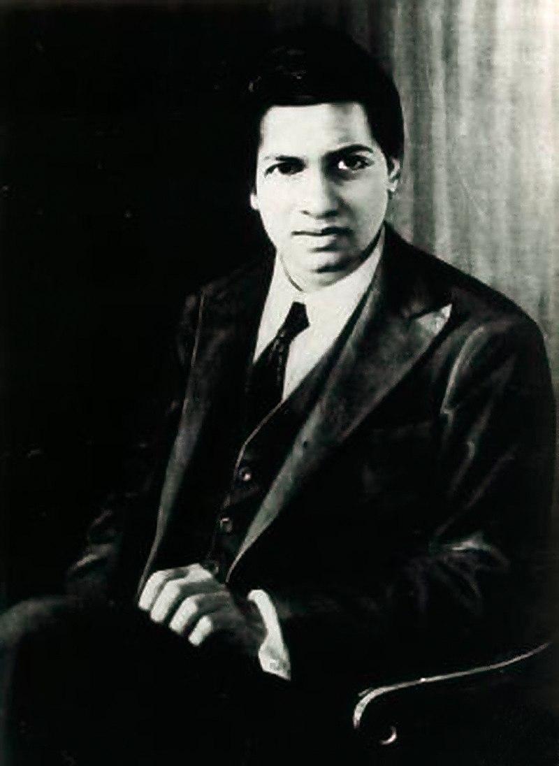 800px-Srinivasa_Ramanujan_-_OPC_-_1.jpg