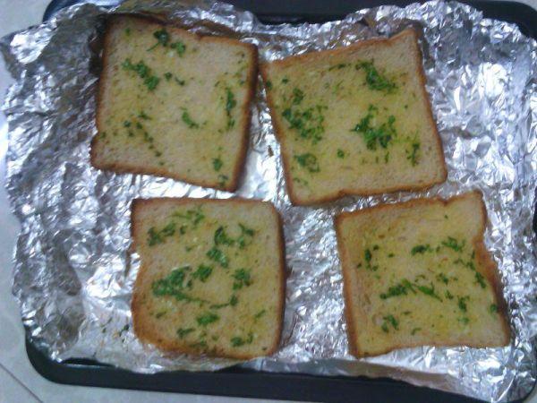गार्लिक ब्रेड