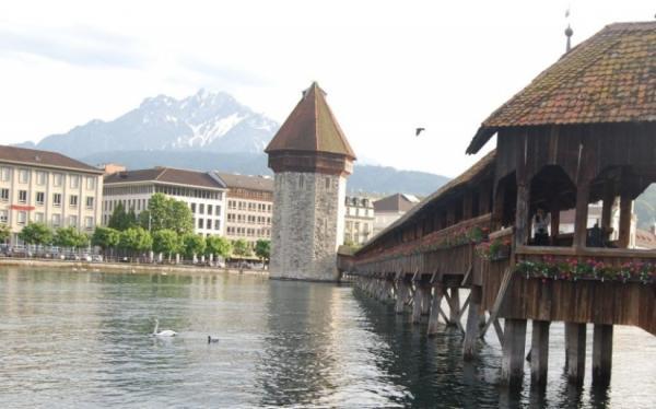 Lucern_lake.JPG