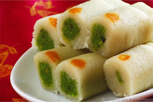 pistachio-roll-closeup.jpg
