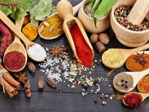 Food_Different_spices_037080_29free.jpg