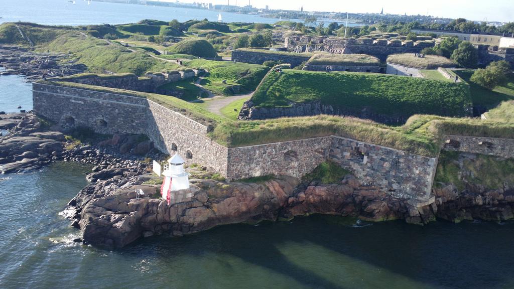 Suomenlinna fort.jpg