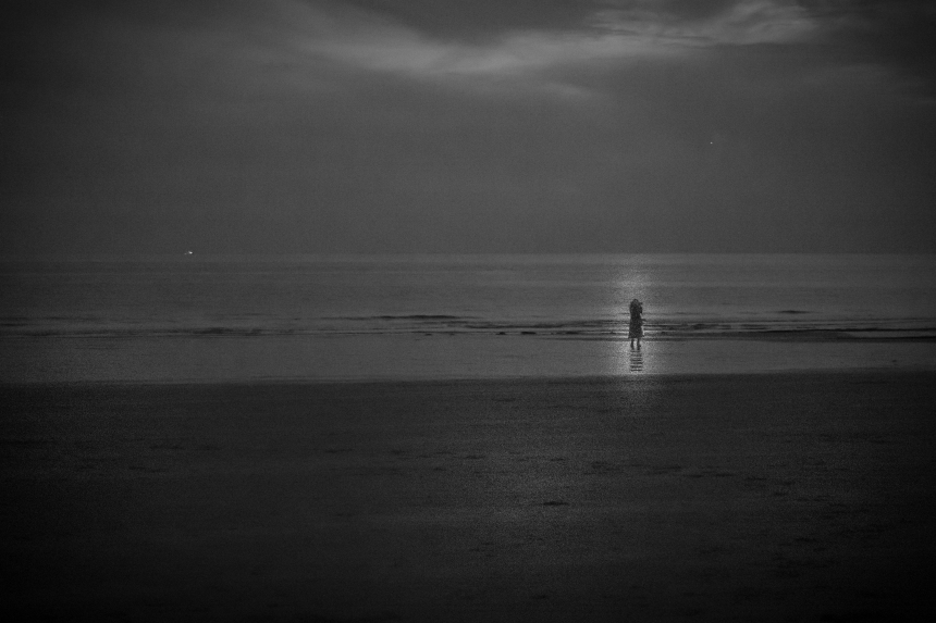 alone-on-the-beach-at-night-2-1040341.jpg