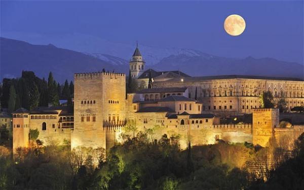alhambra at night.jpg