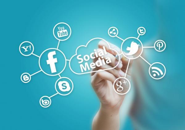 Social-Media-photodune-3940954-social-media-m-1030x721.jpg