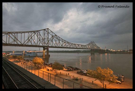 St-Louis-Bridge_1.jpg