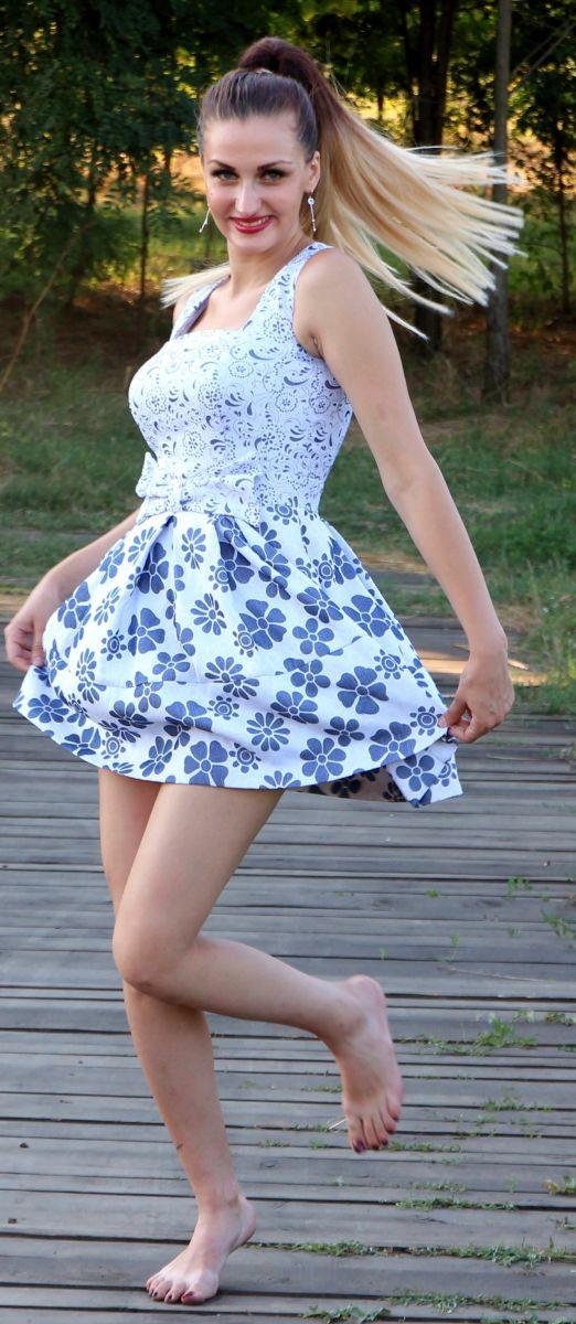 dress floral.jpeg