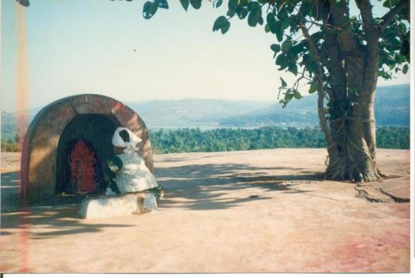 gunDi - mandir 1995 s1.JPG