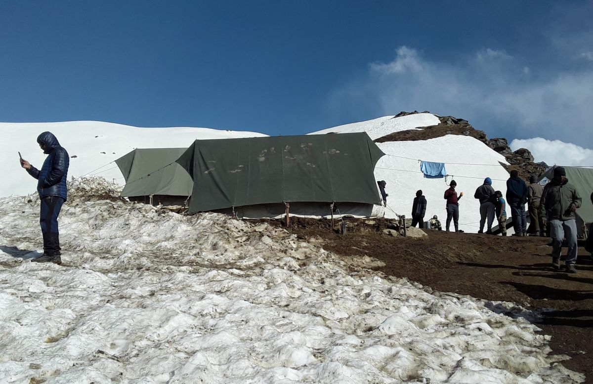 450-Camp-4-Nagaru (12500 fr) (reduced).jpg